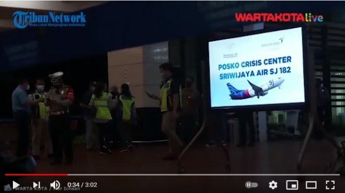 VIDEO Crisis Center Sriwijaya Air di Bandara Soetta Mulai Didatangi Keluarga Penumpang SJ 182