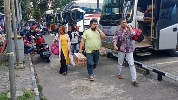 Jelang PPKM Darurat, Sopir Bus AKAP di Terminal Poris Perkirakan Jumlah Penumpang Turun Drastis