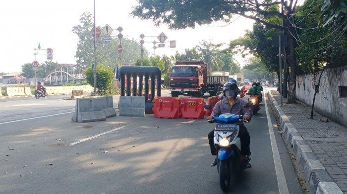 PPKM Level 4 Hari ke-3, Tak Ada Petugas di Lokasi Penyekatan Perbatasan Tangerang-Jakarta Barat
