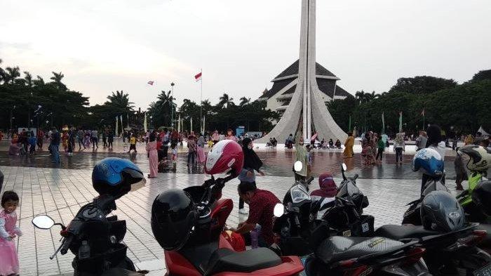 Kena Penyekatan Mudik di Karawang, Warga Pulo Gebang Jakarta Timur Pilih Rekreasi di TMII