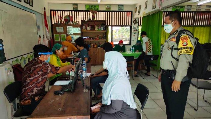 Ribuan Warga Palmerah Ikut Vaksinasi Covid-19, 86 Orang Gagal Divaksin