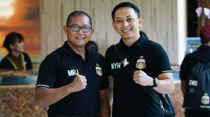 COO Bhayangkara FC Sumardji bersama Manajer Tim Bhayangkara FC I Nyoman Yogi Hermawan