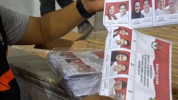 Waduh, H-3 Jelang Hari Pencoblosan Pilkada Karawang, Ada 4.000 Warga Belum Rekam e-KTP