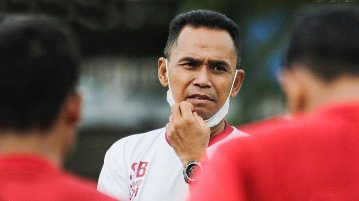 Pelatih PSM Makassar Syamsuddin Batola Siapkan Langkah Antisipasi Produktivitas Pemain PSIS Semarang