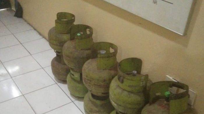 Pemulung Kepergok Mencuri Tabung Gas Saat Subuh Babak Belur Dihajar Warga di Jurang Mangu Timur