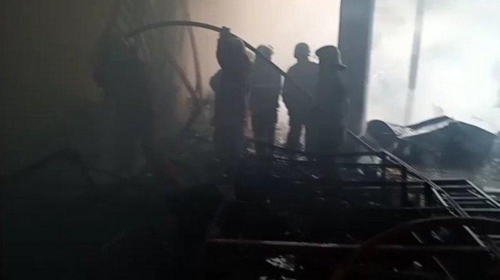 BREAKING NEWS: Lagi, Kebakaran di Tambora, Kali Ini Gudang Kain yang Terbakar