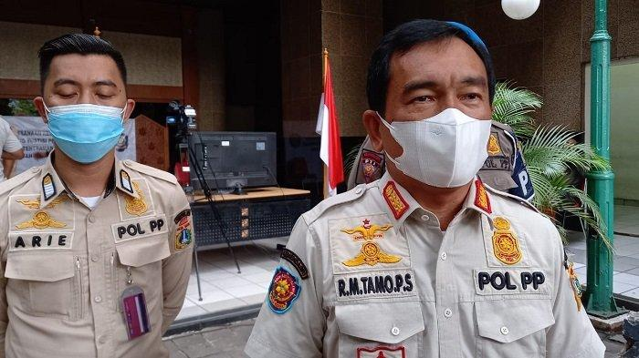 Viral Kerumunan Emak-emak Senam di Puri Kembangan, Satpol PP Denda Ketua Sanggar Rp2 Juta
