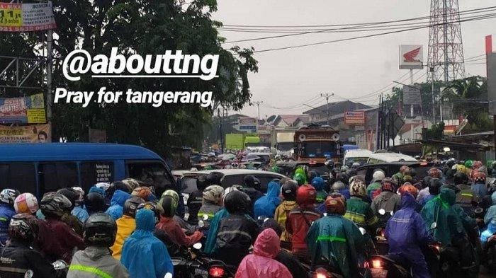 Viral di Medsos Sejumlah Jalan di Kota Tangerang Macet Parah Karena Banjir, Bikin Jengkel Warga