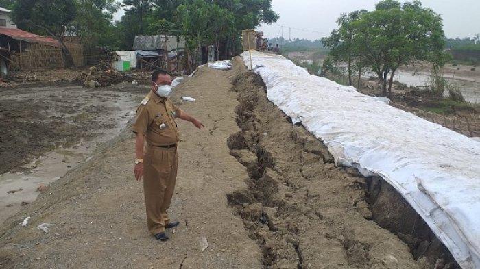 Tanggul Darurat Sungai Citarum Kembali Amblas, Warga Pebayuran Tunggu Tindaklanjut BBWS Citarum