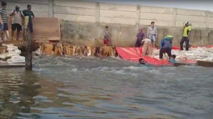 Perumahan Pantai Mutiara Banjir Rob, Ahok: Ada Genset, Anak-Anak Tidak Mengungsi
