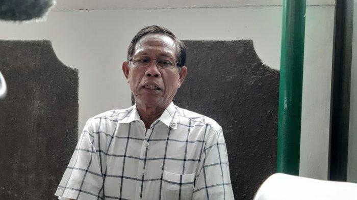 Tarzan Srimulat di Pengadilan Negeri Jakarta Selatan, Jalan Ampera Raya, Cilandak, Jakarta Selatan, Rabu (27/11/2019). Tarzan memberikan dukungan untuk Nunung Srimulat.