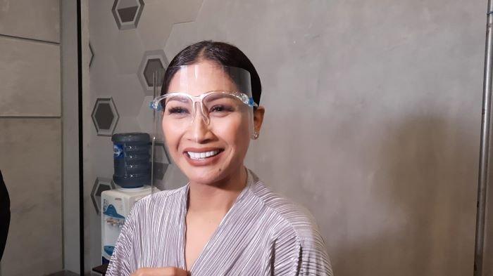Hindari Fitnah, Tata Janeeta Umumkan Kehamilan Setelah Dinikahi Raden Brotoseno pada 9 Oktober 2020