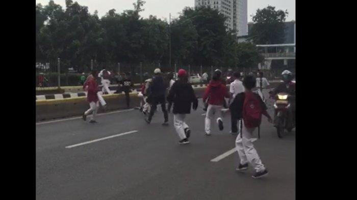 VIDEO: Tawuran Antar Remaja di Manggarai Kembali Pecah