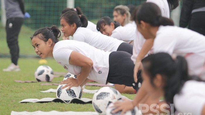 Latihan Perdana Timnas Sepak Bola Wanita Indonesia Fokus Pada Kebugaran Fisik Pemain