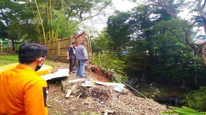 Hujan Deras di Kota Bogor, Tempat Wisata SKI Alami Musibah, Longsor Setingi 20 M Seret Pohon Bambu