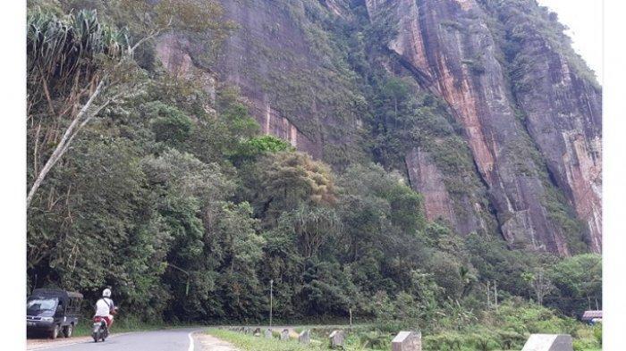 Bak Benteng Pertahanan, Kawasan Wisata Lembah Harau Dijaga Tebing Tinggi dengan Keindahan Air Terjun