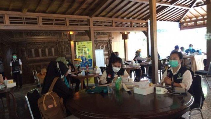 Pemkot Bogor Vaksinasi Covid-19 Massal Tenaga Kesehatan di Bogor Senior Hospital
