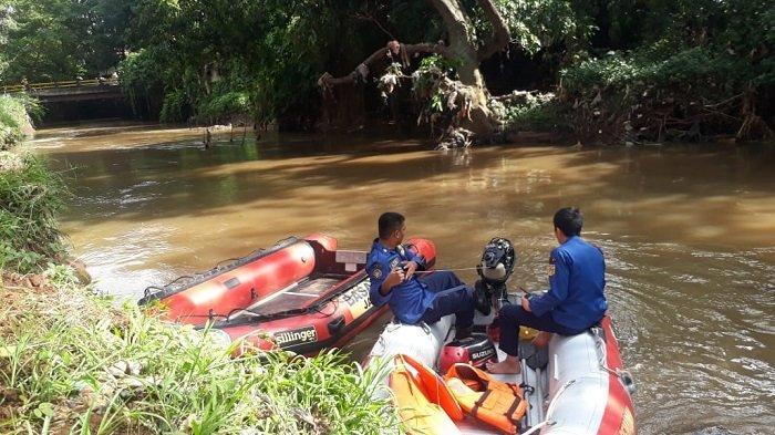 Tercebur di Kali Pesanggrahan Jakarta Barat Sejak Semalam, Anak 11 Tahun Hilang dan Belum Ditemukan