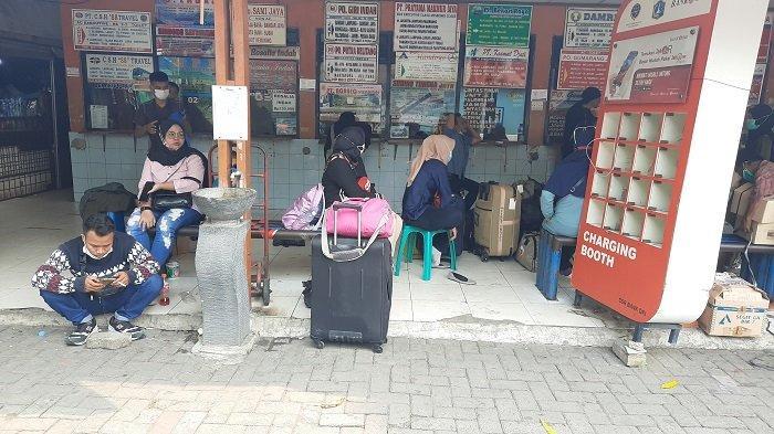 Jelang Larangan Mudik Lebaran, 4.000 Penumpang Berangkat dari Terminal Kalideres selama 5 Hari Ini