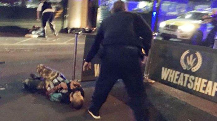BREAKING NEWS: Teror Terjadi Lagi di London, Mobil Van Tabrak Pejalan Kaki