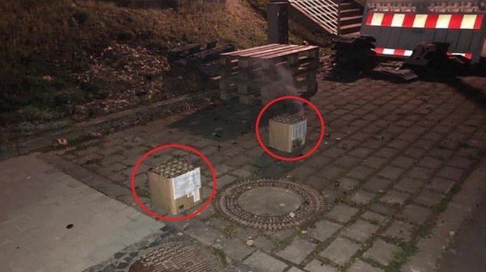 Dua kotak bekasi kembang api yang dilemparkan sekelompok orang, diduga fans Borussia Dortmund, terlihat di tempat penginapan para pemain Manchester City. Teror kembang api itu diduga sengaja dilakukan guna mempengauhi mental para pemain City