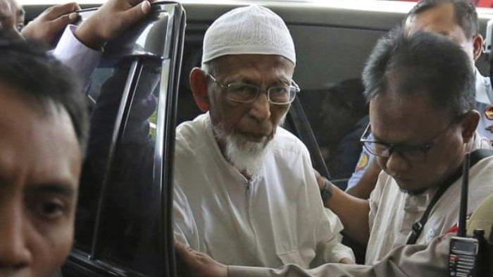 Presiden Jokowi Sudah Setuju, Keluarga Masih Berharap Pembebasan Abu Bakar Ba`asyir