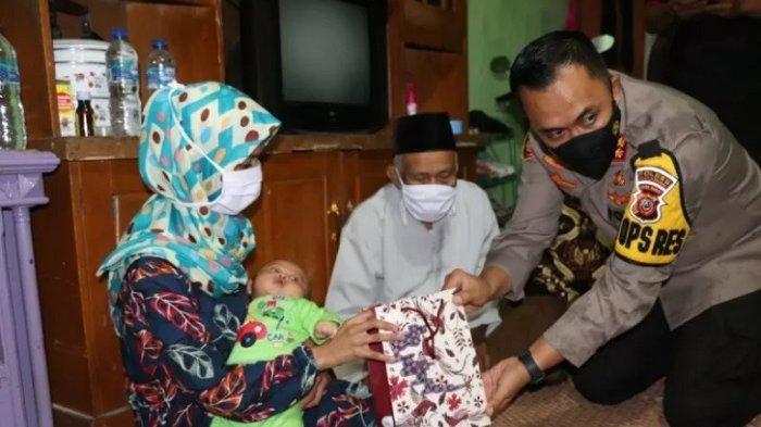 Punya Bayi dan Terlilit Utang, Presiden Jokowi Sampaikan Pesan untuk Istri Terduga Teroris Sukabumi
