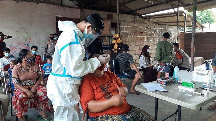 Polres Metro Jakarta Timur Gelar Tes Antigen Massal di Bambu Apus karena 27 Warga Terpapar Covid-19