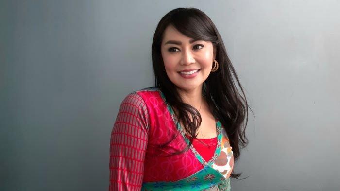 Tessa Kaunang di TransTV, Jalan Kapten Tendean, Mampag Prapatan, Jakarta Selatan, Senin (21/12/2020).