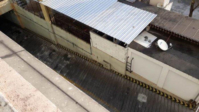 Pria yang Jatuh di Mangga Dua Square Diduga Alami Gangguan Jiwa