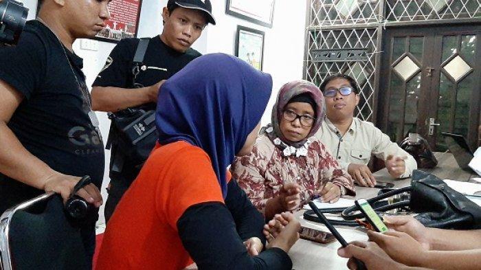 Ibu Ini Dituduh Tidak Waras Setelah Laporkan Mantan Suami yang Diduga Cabuli Tiga Anak Kandungnya