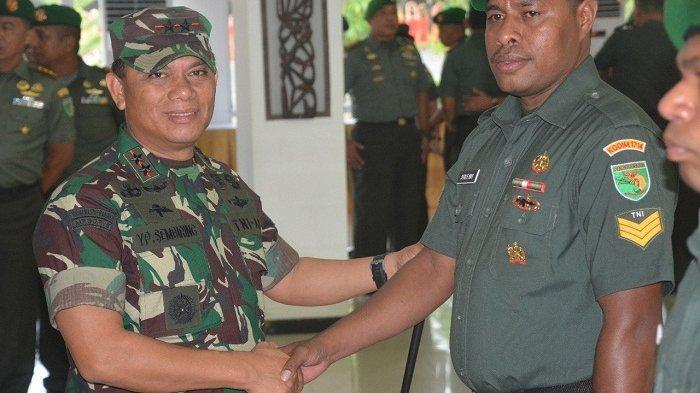 Ajak Empat Anggota KKB Kembali ke Pangkuan NKRI, Tiga Prajurit TNI Ini Naik Pangkat Luar Biasa