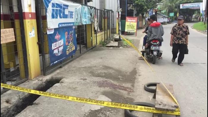 Lagi Nongkrong Tiga Remaja Kena Begal di Kaliabang Bekasi, Tangan Nyaris Putus