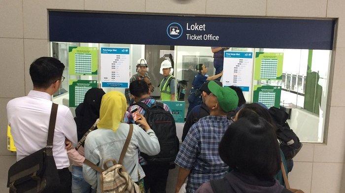 MRT Jakarta Mulai Berbayar, Warga Tetap Antusias dan Tak Keberatan dengan Tarifnya