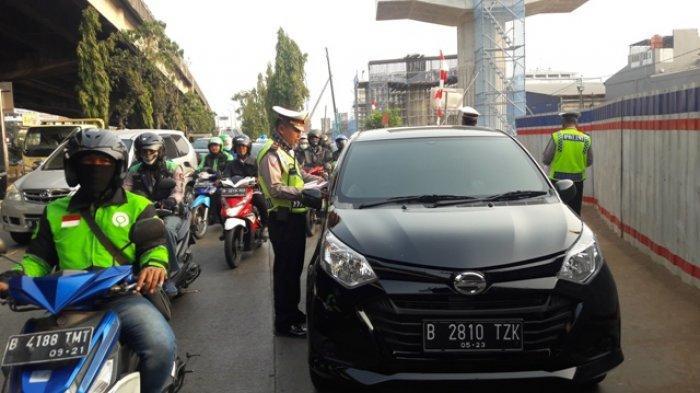 Hindari Ganjil Genap, Polisi Mencurigai Pelat Palsu Banyak Digunakan Masyarakat