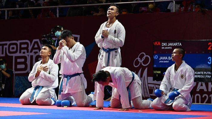 Tim Jawa Barat Raih Medali Emas Cabor Karate Nomor Kumite Beregu Putra
