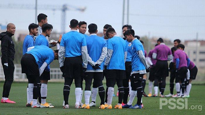 Cerita Fajar Fathurahman dan Arya Gerryan Pemain Muda Borneo FC Ketika TC Di Spanyol