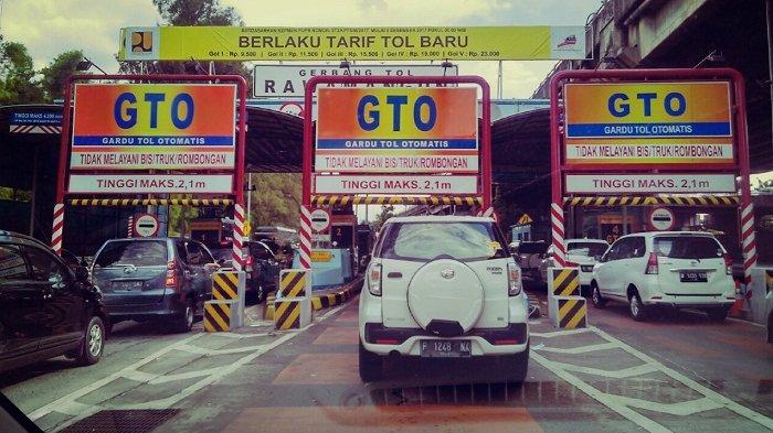 Pukul 15.00 Tol Dalam Kota Ramai Lancar