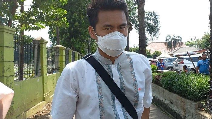 Tontowi Ahmad Sebut Markis Kido Senior Panutan saat Hadir di Prosesi Pemakaman di TPU Kebon Nanas