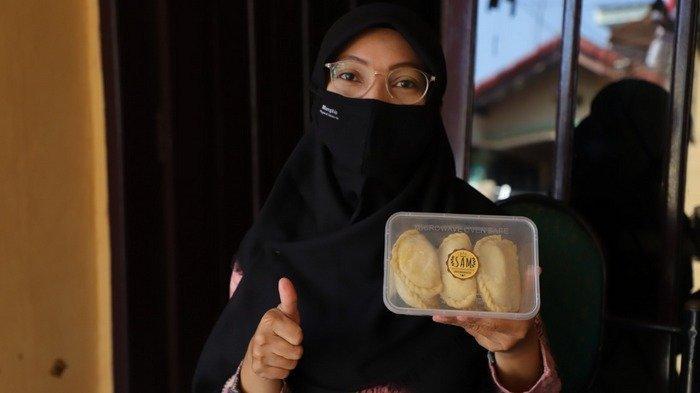 Dikasih Modal Rp 500.000 dari Program Tangerang BISA, Janda Anak Satu Ini Berkreasi Buka Usaha Kue