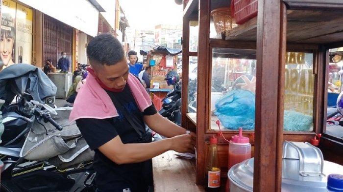 Sulit Pantau Waktu Makan di Tempat hanya 20 Menit, Begini Cara Penjual Bakso Penuhi Aturan PPKM