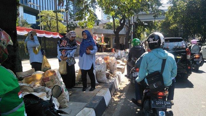 Berstatus Jalan Nasional, Sudin Binamarga Jaksel Tak Bisa Perbaiki Jalan TB Simatupang yang Rusak