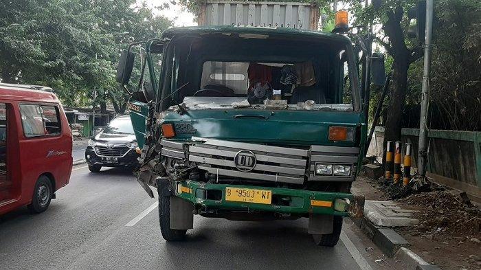 Dua Truk Kontainer Tabrakan di Jalan Sultan Agung Bekasi, Begini Kronologisnya