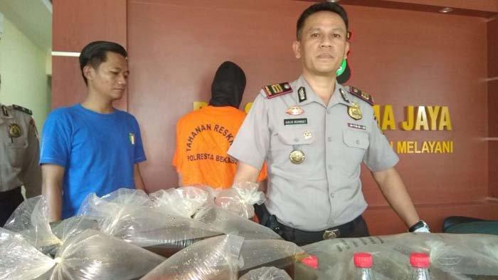 Kumpulkan Ongkos untuk Mudik ke Padang, Tukang Jamu di Bekasi Jual Miras Oplosan Jenis Ginseng