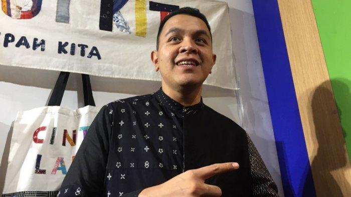 Tulus disela Pameran Laut Kita Masa Depan Kita di kawasan Senayan, Jakarta Pusat, Kamis (28/11/2019). Di pameran itu Tulus mengatakan merubuhkan sebagian rumahnya karena kurang memiliki lahan hijau.