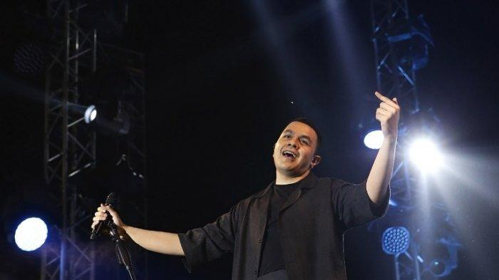 Mendadak Sakit, Tulus Tunda Konser Drive In di Senayan Malam Ini, Promotor Sampaikan Permintaan Maaf