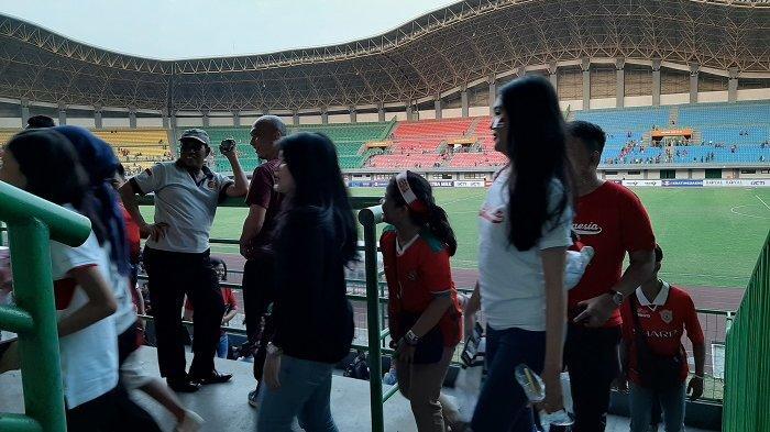 Indonesia U-19 Tak Berdaya Lawan Iran U-19, Suporter Lampiaskan Kecewa kepada PSSI