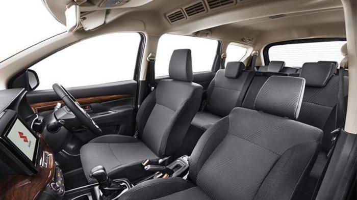 Ubahan warna hitam pada interior Suzuki All New Ertiga tipe GX dan Suzuki Sport yang kini menjadi black with wood grain pattern menjadi salah salah ubahan minor di awal 2020.