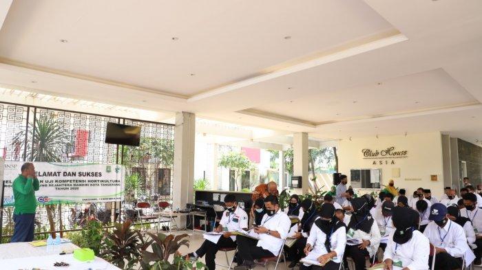 Guna meningkatkan kompetensi penggiat kampung tematik di Kota Tangerang, Pemerintah setempat melalui Dinas Sosial (Dinsos) bersama Badan Nasional Sertifikasi Profesi (BNSP), menggelar uji kompetensi hortikultura.