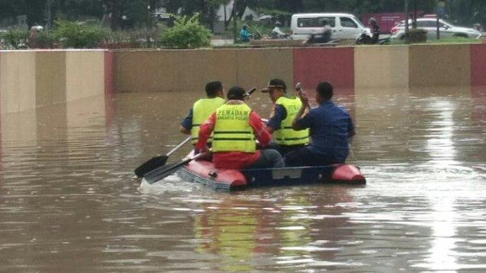 SUDAH 4 Kali dalam Dua Bulan Underpass Gandhi Kemayoran Banjir, Tinggi Air Sempat Capai 5,5 Meter